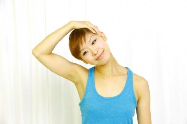 Stretching The Neck Muscles