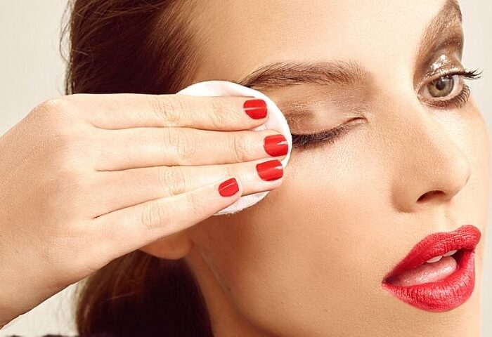 Didn't you remove your makeup at night? Here what you must do to repair the damage