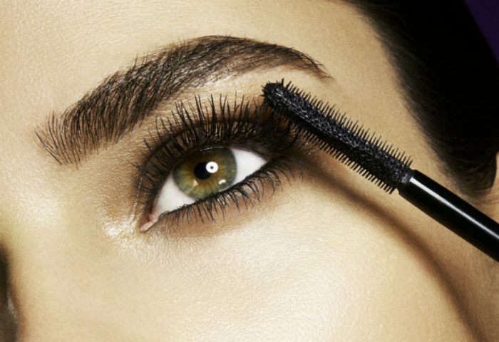 The Differences Between Water-Resistant And Waterproof Mascara To Know Which One Is Better For You